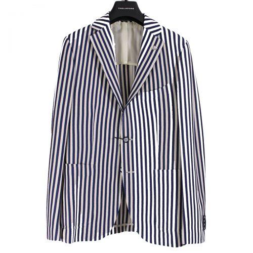tagliatore-giacche-uomo-in-cotone-con-stampa-a-strisce-verticali-taschino-sul-petto-due-tasche-laterali-e-tre-interne-spilla-logo-collo-da-7020